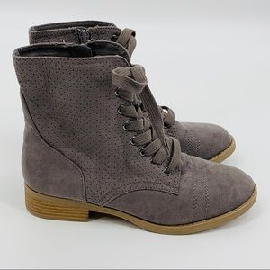 Report NEW Gray Lace-up Boots